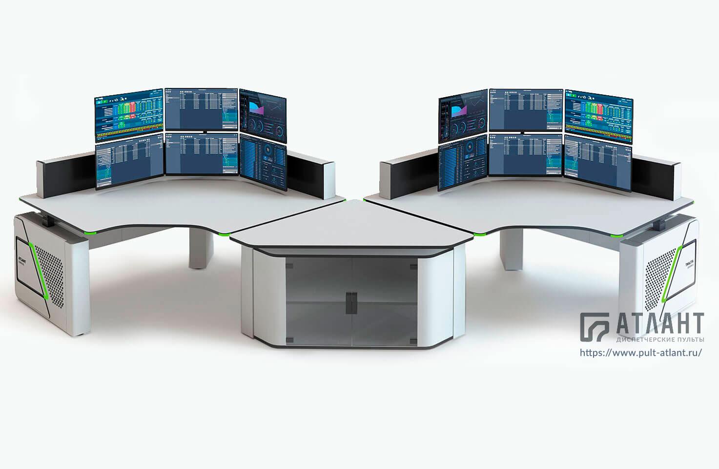Пульт оператора Атлант ФОРТ на небольших подъемных колоннах с технической тумбой